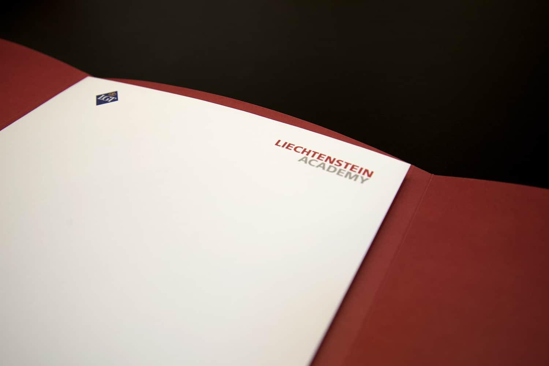Edle Diplome und Diplommappen für die Liechtenstein Academy