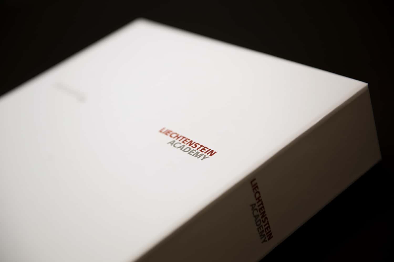 Exklusive Notizbücher und Archivschuber für die Liechtenstein Academy